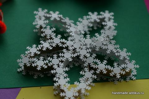 Снежинка из мишуры своими руками фото